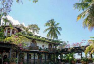 Celebre su evento especial con elegancia y estilo en esta Hacienda Colonial Rústica Española